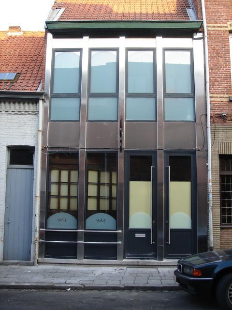 Renovatie in alumiumzwartgrijs (RAL 7021)